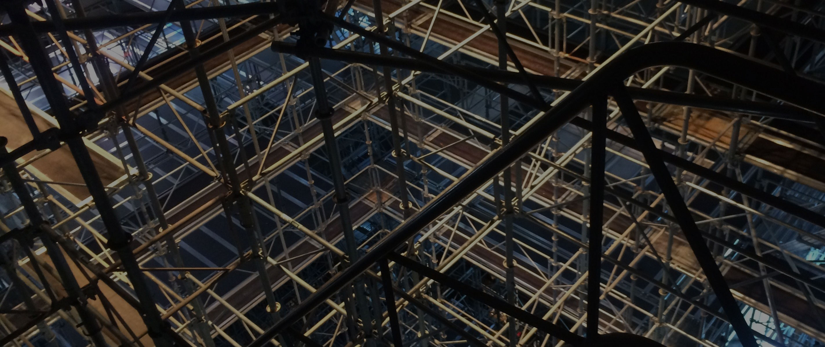 Complex scaffoling network inside a building
